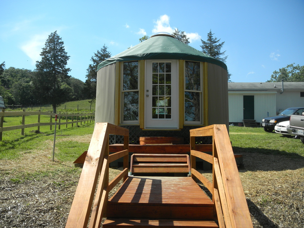 Hummingbird Yurt - Massanutten Springs (www